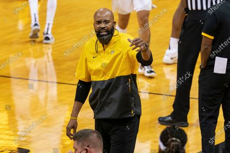 Missouri head coach Cuonzo Martin calls in a player during the second half of an NCAA college basketball game against Mississippi, in Columbia, Mo