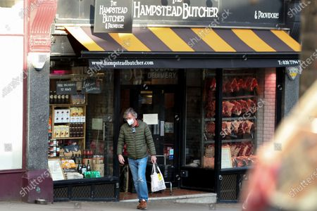 Exclusive - Richard Madeley going to a butchers on Hampstead High Street