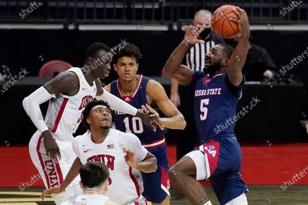 Fresno State's Jordan Campbell (5) prepares to shoot during the second half of the team's NCAA college basketball game against UNLV, in Las Vegas