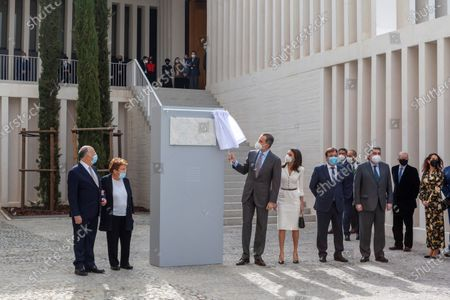 Stock Picture of German art collector Helga de Alvear (2nd-L) looks on as Spain's King Felipe VI (3rd-L) and Queen Letizia (4th-L) unveil the commemorative plaque during the inauguration of Helga de Alvear Foundation's New Contemporary Art Museum in Caceres city, Extremadura region, western Spain, 25 February 2021. The museum opens its doors with 200 pieces of contemporary art, including the lamp 'Descending Light' of Chinese artist and activist Ai WeiWei (1957), some of the 'Caprichos' by Spanish artist Francisco de Goya (1746-1828) and works by Pablo Ruiz Picasso (1881-1973), Danish-Icelandic artist Oleafur Eliasson (1967) and Russian Vasili Kandinsky (1866-1944), among others, which will make Caceres city a benchmark for contemporary art.
