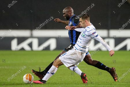 Eder Balanta (back) of Brugge in action against Volodymyr Shepeliev (front) of Kiev during the UEFA Europa League round of 32, second leg soccer match between Club Brugge and Dynamo Kiev in Bruges, Belgium, 25 February 2021.