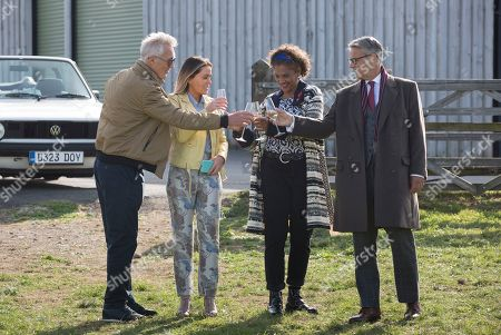 Cathy Tyson as Jackie, Martin Kemp as Mick, Patsy Kensit as Barbara and Rupert Graves as Gordon.