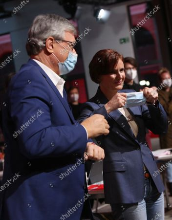 Katja Kipping, outgoing co-chairwoman of the German Die Linke (The Left) party (R), and Bernd Riexinger, co-chairman of the German Die Linke (The Left) party, attend the first day of the party's virtual congress in Berlin, Germany, 26 February 2021. The new party co-leaders will be chosen at the conference, held virtually amidst the ongoing coronavirus (COVID-19) pandemic, on the following day.