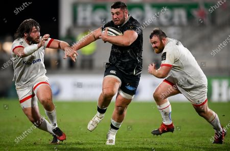 Gareth Thomas of Ospreys in action against John Andrew of Ulster