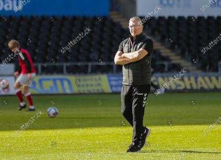 Neil Pearson manager of Bristol City during the warm ups; Liberty Stadium, Swansea, Glamorgan, Wales; English Football League Championship Football, Swansea City versus Bristol City.