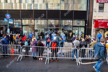 Stock Photo of People watching the NY PopsUp Concert