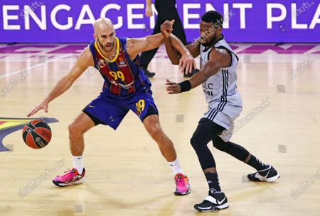 Nick Calathes and Norris Cole during the match between FC Barcelona and ASVEL Lyon-Villeurbanne, corresponding to the week 26 of the Euroleague, played at the Palau Blaugrana, on 26th February 2021, in Barcelona, Spain.  -- (Photo by Urbanandsport/NurPhoto)
