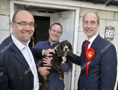 Jim Knight Employment Minister canvassing in Weymouth with Lord Andrew Adonis, Secretary of State for Transport