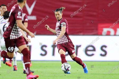 Hotaru Yamaguchi (Vissel) - Football / Soccer :  2021 J1 League match between  Vissel Kobe 1-0 Gamba Osaka  at Noevir Stadium Kobe in Hyogo, Japan.