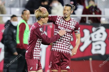 (L-R)  Kyogo Furuhashi ,  Hotaru Yamaguchi (Vissel) - Football / Soccer :  2021 J1 League match between  Vissel Kobe 1-0 Gamba Osaka  at Noevir Stadium Kobe in Hyogo, Japan.