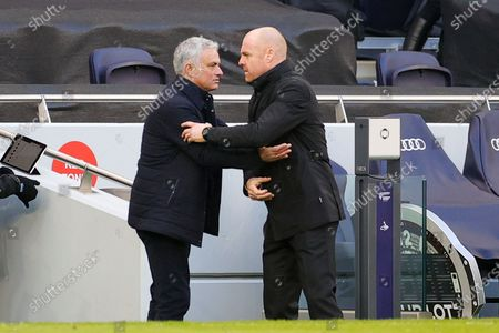 Jose Mourinho Head Coach of Tottenham Hotspur and Sean Dyche Manager of Burnley at full time during the Premier League match between Tottenham Hotspur and Burnley at Tottenham Hotspur Stadium, London