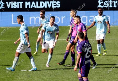 Vigo's Jeison Murillo (3-L) celebrates after scoring the 1-1 equalizer during the Spanish La Liga soccer match between Celta Vigo and Real Valladolid at Balaidos Stadium in Vigo, northwestern Spain, 28 February 2021.