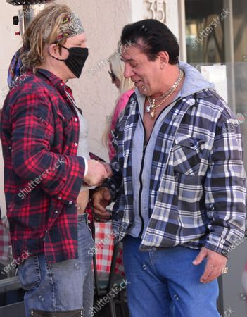 Exclusive - Mickey Rourke showing his abs Chuck Zito