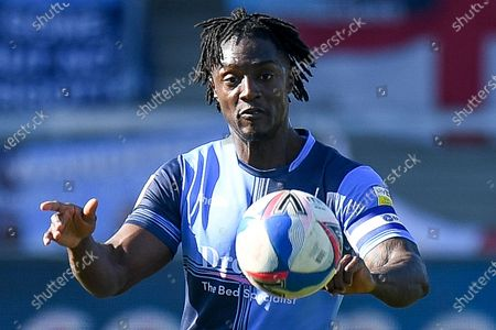 Wycombe Wanderers defender Anthony Stewart (5) keeps his eyes on the ball during the EFL Sky Bet Championship match between Wycombe Wanderers and Norwich City at Adams Park, High Wycombe