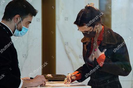 Bella Hadid is arriving to Versace's headquarters