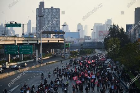 Anti-government protesters take part in a demonstration as they march toward the residence of Thailand's Prime Minister Prayut Chan-O-Cha in Bangkok Thailand, 28 February 2021. (Photo by Anusak Laowilas/NurPhoto)