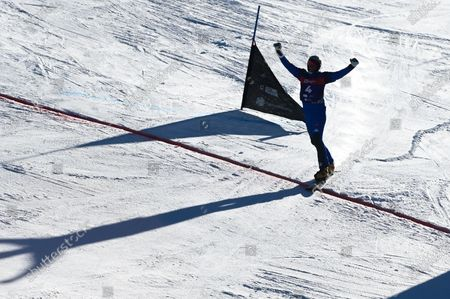 Roland Fischnaller of Italy competes during the 1/2 Finals of the Men's Parallel Giant Slalom at the FIS Snowboard Alpine World Championship - Rogla 2021.