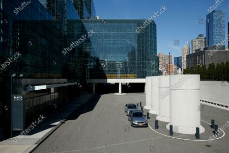 Exterior of the Jacob Javits Convention Center in New York, United States, on March 21, 2020. New York State Governor Andrew Cuomo, on the recommendation of the US Army Corps of Engineers selects the Jacob Javits Convention Center as one of four temporary hospital sites in New York State. As the pandemic grows, New York State has become the epicenter of the COVID-19 in the United States, surpassing the 10,000 mark on March 21, 2020