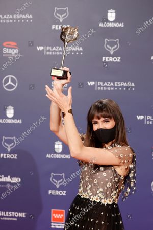 Veronica Echegui poses after receiving the 'Best supporting actress' award during the 8th Feroz Awards gala at the Coliseum Theater in Madrid, Spain, 02 March 2021. The award handout ceremony acknowledges prominent works in Spanish cinema and television productions.
