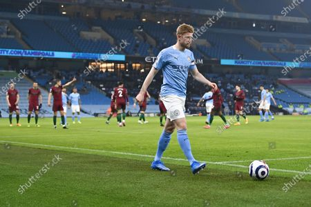 Manchester City's Kevin De Bruyne takes the ball for corner during the English Premier League soccer match between Manchester City and Wolverhampton Wanderers in Manchester, Britain, 02 March 2021.