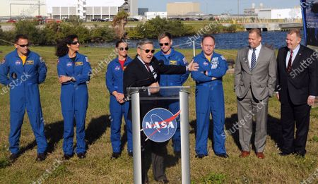 Kennedy Space Center Director Bob Cabana introduces (from left) NASA astronauts Josh Cassada, Suni Williams, Nicole Mann, Boeing astronaut Chris Ferguson, NASA astronaut Mike Fincke, NASA Administrator Jim Bridenstine, and Deputy NASA Administrator Jim Morhard at a press briefing on December 19, 2019 in advance of tomorrow's scheduled orbital flight test of Boeing's CST-100 Starliner spacecraft, at the Kennedy Space Center in Florida.