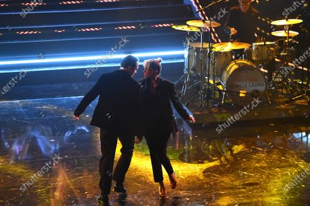 Journalist Francesca Barra dances with husband the actor Claudio Santamaria