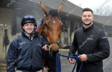 Left to right: Jonjo O'Neill Jr., Annie Mc and Chris Hughes. TV personality and Coral ambassador Chris Hughes has this week launched a prize draw which gives Coral customers the chance to own a share of the Coral Champions Club mare, Annie Mc, when she lines up in the inaugural Mares' Chase at the Cheltenham Festival later this month 2021. There is no maximum number of entries per customer and the prize draw will take place at 09:00 on Monday 15th March.