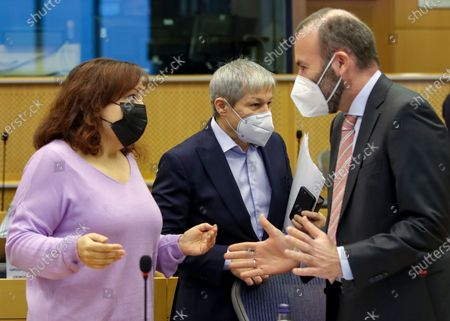 (L-R) Leader of Socialist group, Spanish Iratxe Garcia Perez, leader of Renew Europe party Dacian Ciolos and leader of the European People's Party at the European Parliament Manfred Weber attend Conference of Presidents at the European parliament in Brussels, Belgium, 04 March 2021.