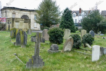 Stock Image of An iconic landmark in Reading has been put on the market for around £100,000. The Reading Cemetery Arch in Cemetery Junction has been put on the market by Reading Borough Council. The Grade II listed building was once used as offices, but Romans estate agents, which is marketing the arch, say there is scope for conversion, possibly into 2 or 3 residential dwellings, subject to the necessary planning consents being granted.