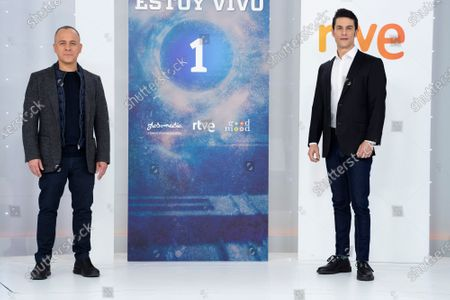 (L-R) Javier Gutierrez and Alejo Sauras seen during the 'Estoy Vivo' photocall at RTVE.