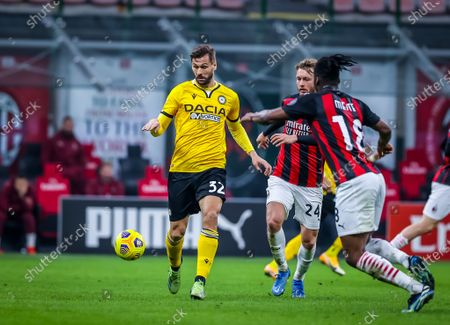 Fernando Llorente of Udinese Calcio seen in action during the Serie A 2020/21 football match between AC Milan and Udinese Calcio at the San Siro Stadium. Final score; AC Milan 1:1 Udinese Calcio)