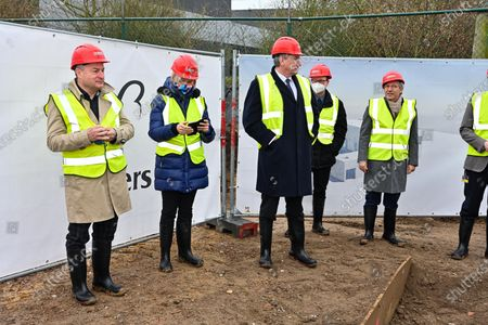 Laying of the first stone of the new expansion of the Beyers factory, in the presence of Minister Jan Jambon, Hilde Crevits and Mayor Koen Van den Heuvel. The Beyers factory specializing in coffee thus confirms its desire to expand in Belgium.