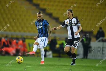 "Arturo Vidal (Inter)Roberto Inglese (Parma)           during the Italian ""Serie A  match between Parma 1-2 Inter at  Ennio Tardini Stadium in Parma, Italy."