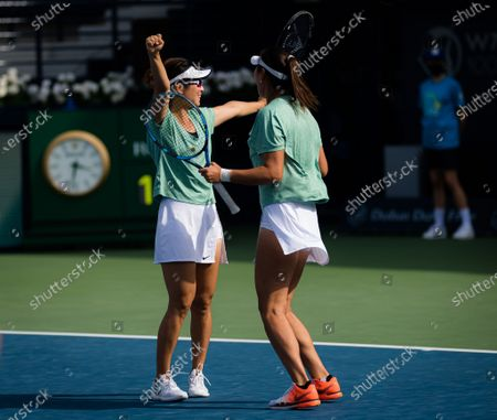 Yifan Xu & Zhaoxuan Yang of China playing doubles at the 2021 Dubai Duty Free Tennis Championships WTA 1000 tournament