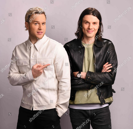 Olly Murs and guest mentor James Bay.