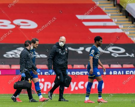 Danny Ings of Southampton comes off injured after 15 minutes; Bramall Lane, Sheffield, Yorkshire, England; English Premier League Football, Sheffield United versus Southampton.