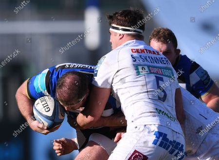 Sam Skinner of Exeter Chiefs tackles Henry Thomas of Bath; 6th March 2021 2021; Recreation Ground, Bath, Somerset, England; English Premiership Rugby, Bath versus Exeter Chiefs.