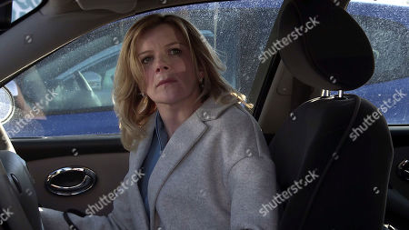 Coronation Street - Ep 10279 Monday 22nd March 2021 - 1st Ep Sitting in Nick's car Leanne Tilsley, as played by Jane Danson, is counting her ill gotten gains when a police officer knocks on the window!