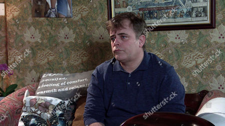 Coronation Street - Ep 10270 Wednesday 10th March 2021 - 2nd Ep A sheepish Steve McDonald, as played by Simon Gregson, regrets his treatment of Peter. Ken Barlow is appalled and when Tracy McDonald tries to defend him, Ken tells them to find somewhere else to live.