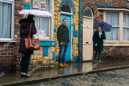 Coronation Street - Ep 10267 Monday 8th March 2021 - 1st Ep Tyrone Dobbs, as played by Alan Halsall, is awkward when Alina Pop, as played by Ruxandra Porojnicu, mentions being in his yoga class in front of Fiz Stape, as played by Jennie McAlpine.