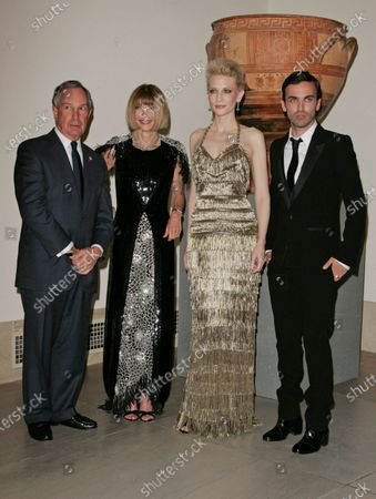 Editorial image of 'Poiret: King of Fashion' Costume Institute Gala at The Metropolitan Museum of Art, New York, America - 07 May 2007