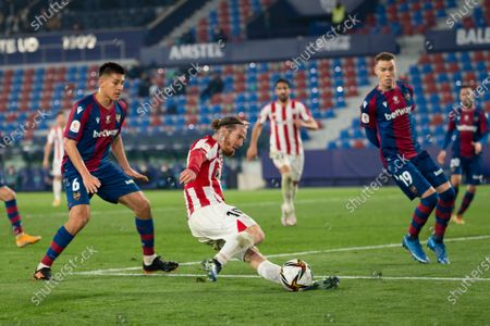 Oscar Duarte, Carlos Clerc of Levante UD and Iker Muniain of Athletic Bilbao Club in action during the Spanish Copa del Rey Semi Final Second Leg match between Levante UD and Athletic Bilbao Club at Ciutat de Valencia . (Final score; Levante UD 1:2 Athletic Bilbao Club)