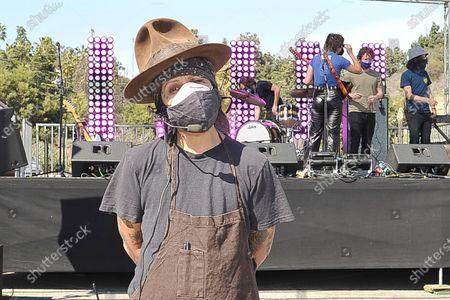 Linda Perry during Rock 'N' Relief, in Los Angeles