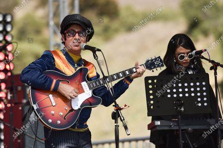 Pete Molinari performs during Rock 'N' Relief, in Los Angeles
