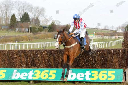 Fourth of July and Ryan Mania jump the last to win the Bet365 Handicap Chase at Kelso for trainer R Mike Smith.
