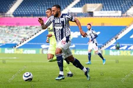 West Bromwich Albion  midfielder Matt Phillips (10) runs forward with the ball during the Premier League match between West Bromwich Albion and Newcastle United at The Hawthorns, West Bromwich