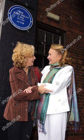 Hayley Mills and Juliet Mills