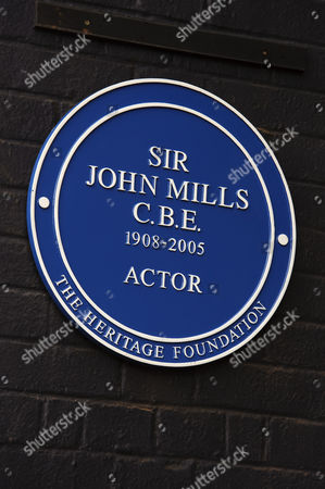 The Blue Plaque dedicated to Sir John Mills