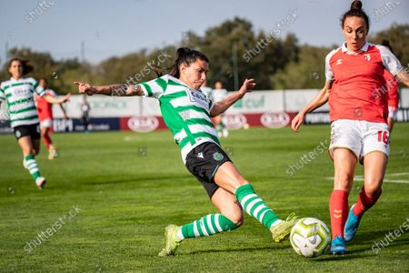Ana Borges from Sporting and Agata Filipa from Bragaduring the Women's Liga PBI game between Sporting and Bragaat at Aurélio Pereira stadium