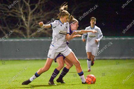 Laura Deloose (14) of Anderlecht and Marie Minnaert (13) of Club Brugge  of Club Brugge